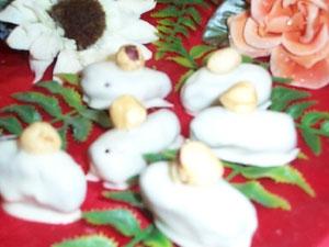 Datteri al cioccolato bianco con nocciola